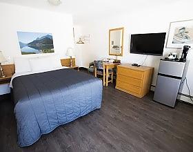 Bow valley motel standard queen room
