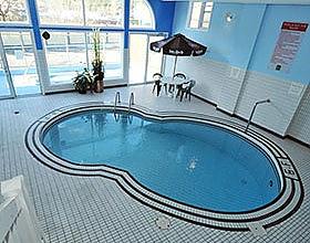Chateau pool